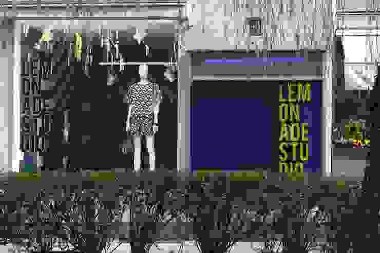 LEMONADE // fashion store // München LOVA Moderne Ladenflächen Holz Blau