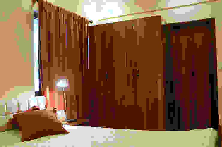 2 BHK Apartment Mrs Radha Basu Kolkata Classic style living room by Cee Bee Design Studio Classic