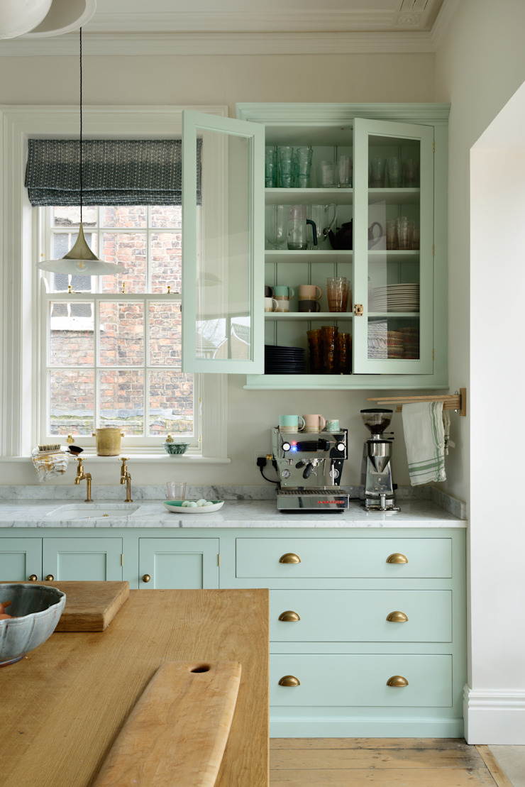The York Townhouse Kitchen by deVOL by deVOL Kitchens Classic Solid Wood Multicolored