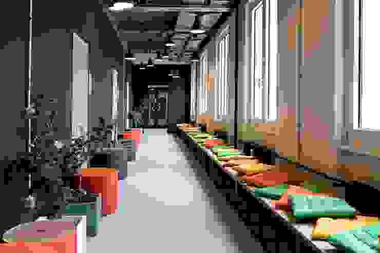 by Ivy's Design - Interior Designer aus Berlin Сучасний Дерево-пластичний композит