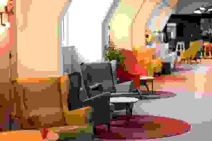 Ivy's Design - Interior Designer aus Berlin Office spaces & stores Wood-Plastic Composite Multicolored