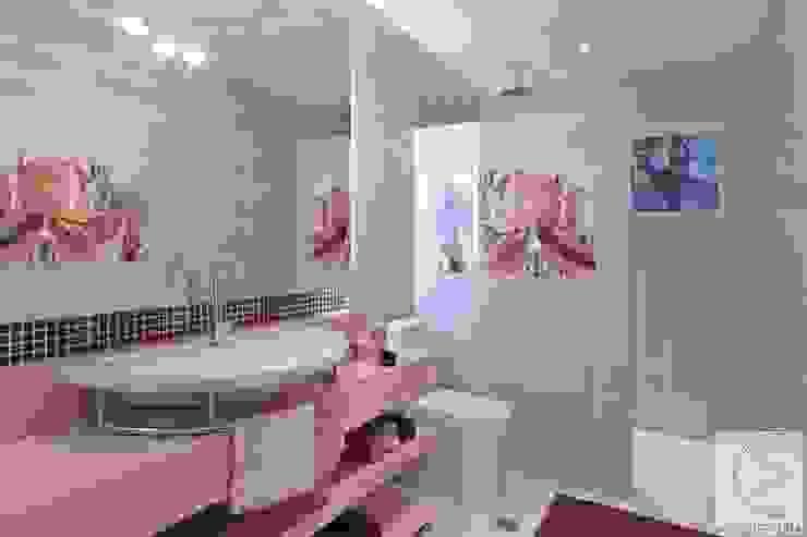 Banheiro Cassia Espada Arquitetura e Interiores Banheiros modernos Roxo/violeta
