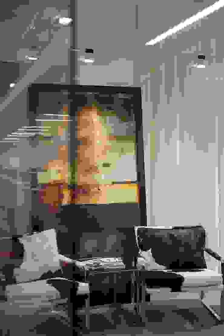 CEO Room - Guest seating by FINGO DESIGN & ASSOCIATES LTD. Minimalist