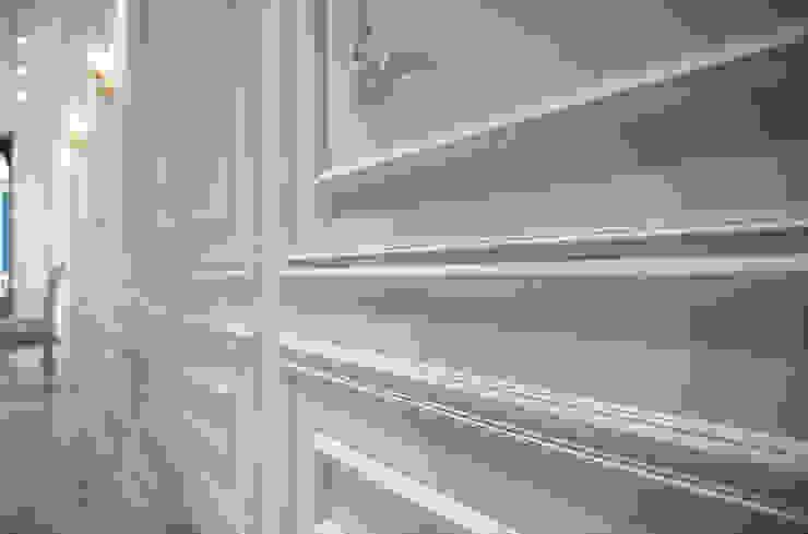 웨인스코팅, 벽체 클래식 스타일 바 & 클럽 by 디자인에이드 클래식