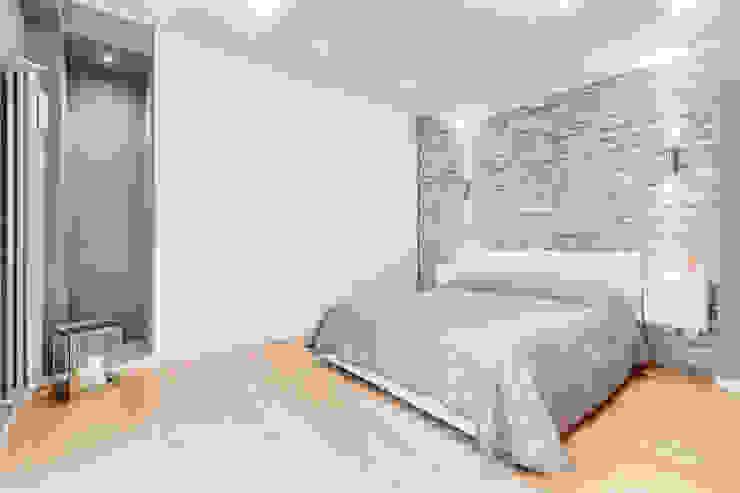 Fleming | Minimal Design Camera da letto minimalista di EF_Archidesign Minimalista