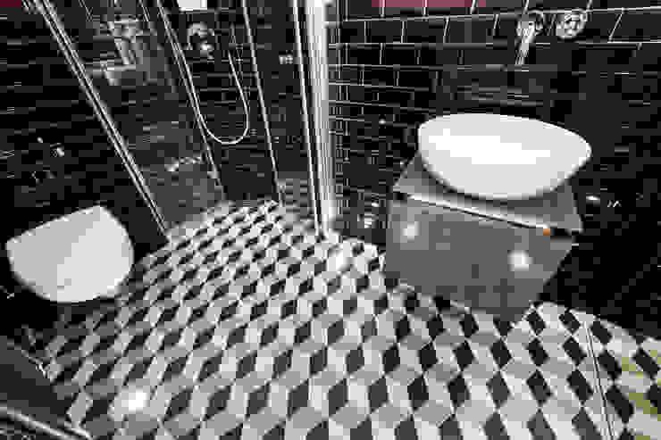 Modernes und extravagantes Badezimmer Ausgefallene Badezimmer von Banovo GmbH Ausgefallen Fliesen