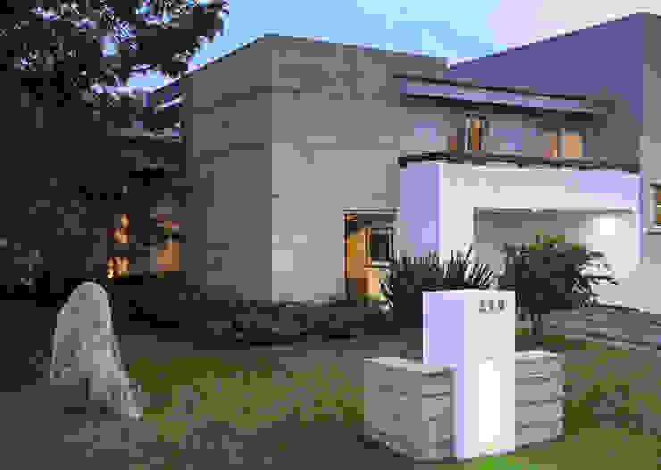 Fachada de Stuen Arquitectos Minimalista