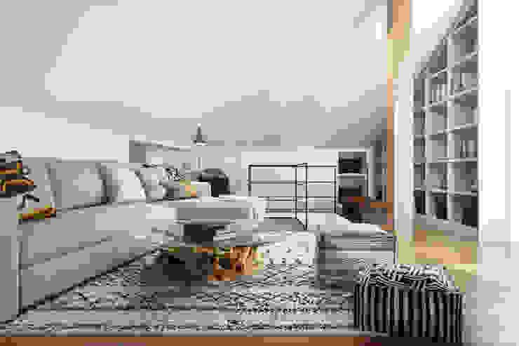 Rua da Saudade - Lisbon DZINE & CO, Arquitectura e Design de Interiores Salas de estar ecléticas