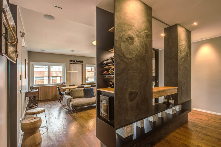 Pasillos, vestíbulos y escaleras de estilo moderno de MOB ARCHITECTS Moderno