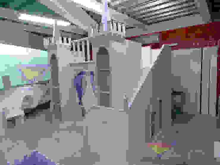 Precioso castillo real de camas y literas infantiles kids world Clásico Derivados de madera Transparente