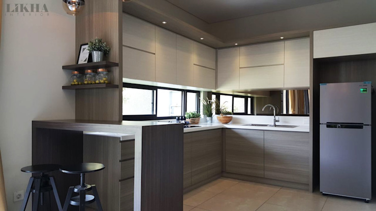 Likha Interior Built-in kitchens Plywood Wood effect