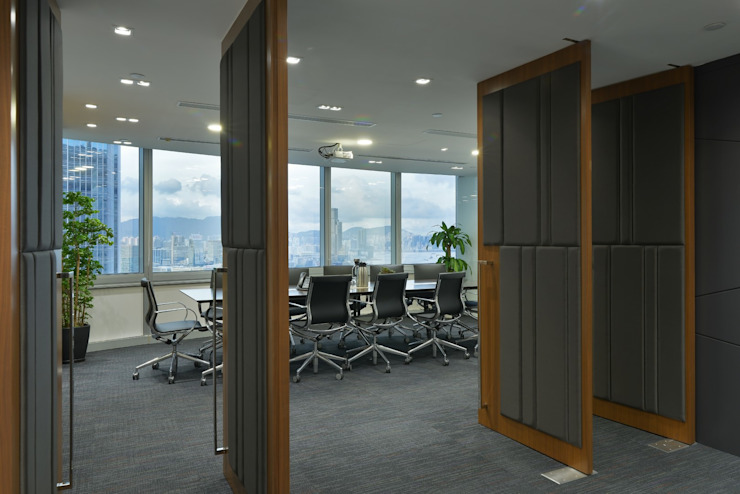 Conference Room Minimalist offices & stores by FINGO DESIGN & ASSOCIATES LTD. Minimalist