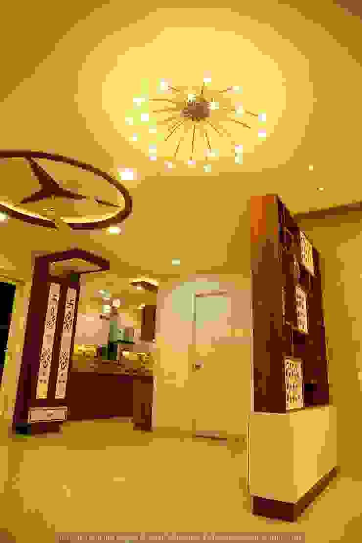 現代風玄關、走廊與階梯 根據 Meticular Interiors LLP 現代風