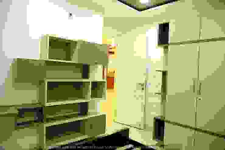 现代客厅設計點子、靈感 & 圖片 根據 Meticular Interiors LLP 現代風
