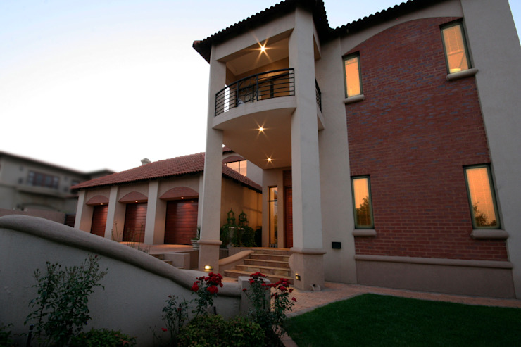 Single family home by homify, Classic Bricks