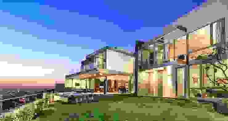 Casas modernas por Loyola Arquitectos Moderno