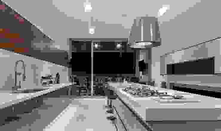 Cozinhas modernas por Loyola Arquitectos Moderno