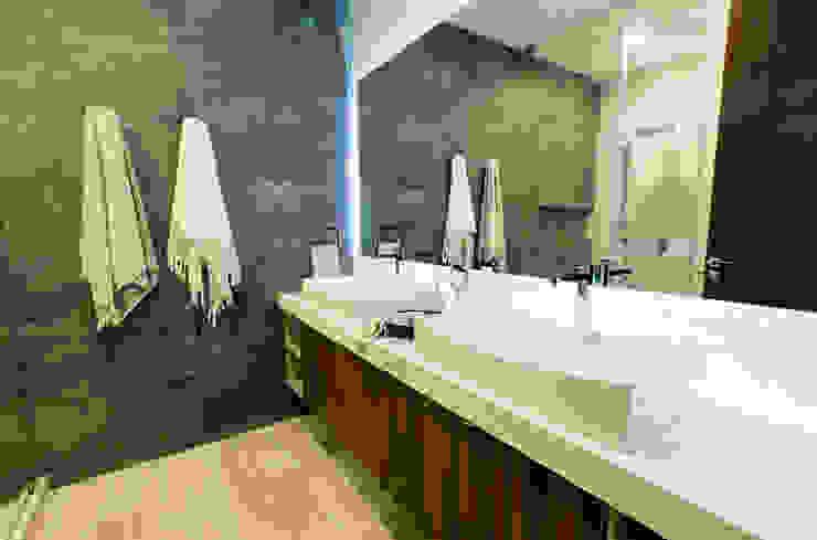 Loyola Arquitectos Moderne Badezimmer