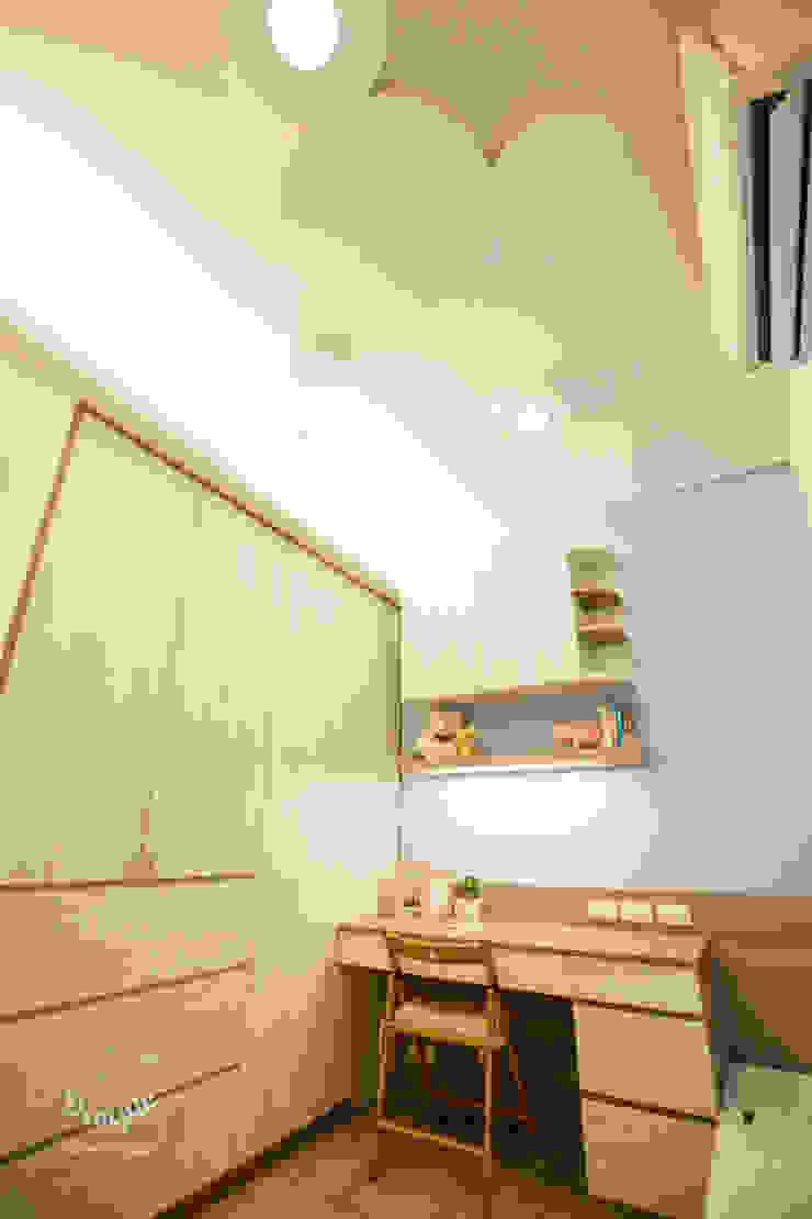 晴天娃娃-20坪小而美的混搭公寓 根據 酒窩設計 Dimple Interior Design 隨意取材風 塑木複合材料
