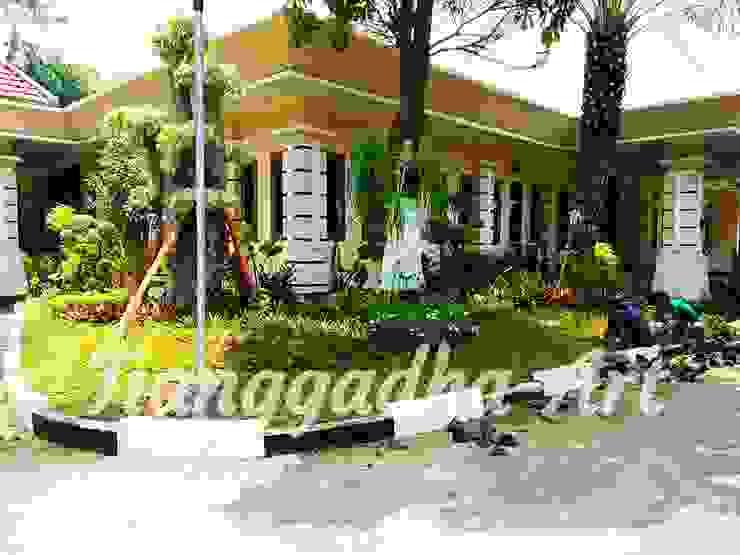 por Tukang Taman Surabaya - Tianggadha-art Tropical Pedra