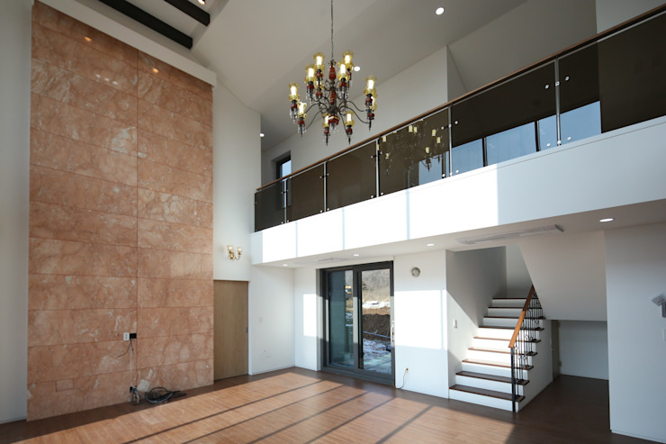 인문학적인집짓기 Salas de estilo moderno