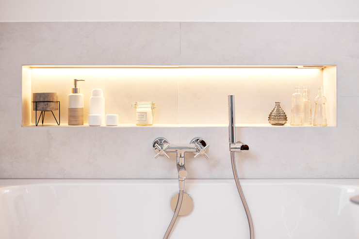 Country style bathroom by Banovo GmbH Country Ceramic