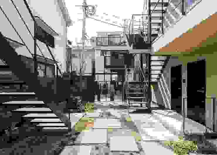 ろじにわ Unico design一級建築士事務所 オリジナルな 庭