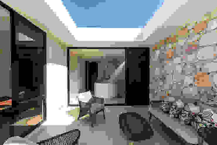 Alberto Zavala Arquitectos Balcone, Veranda & Terrazza in stile moderno
