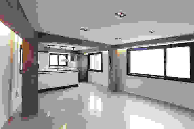 미우가 디자인 스튜디오 Salones de estilo industrial