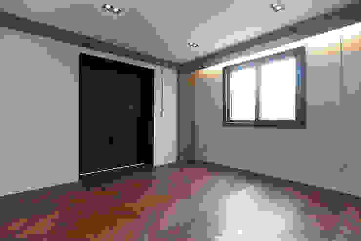 미우가 디자인 스튜디오 Dormitorios de estilo industrial