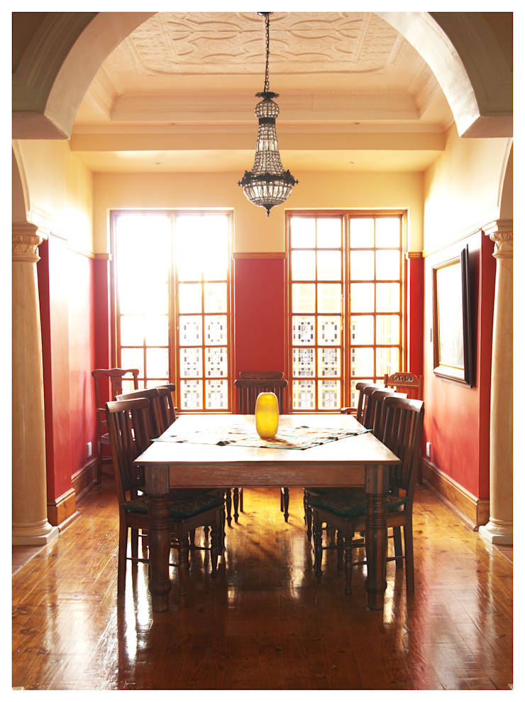 formal dinning room Classic style dining room by Nuclei Lifestyle Design Classic
