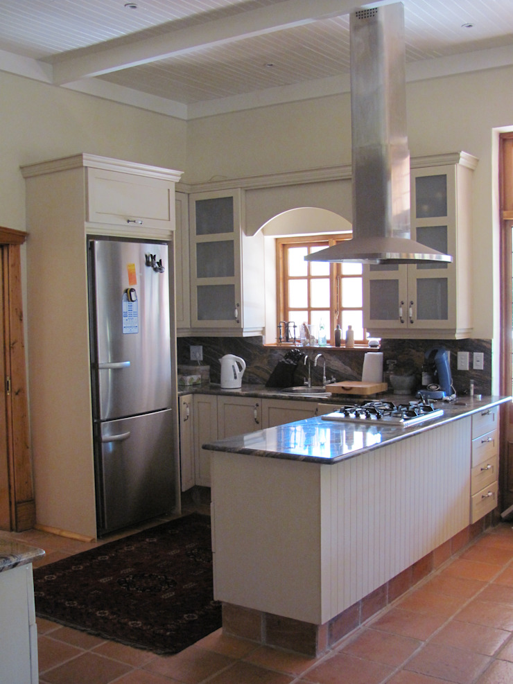 newly built kitchen by Nuclei Lifestyle Design Classic