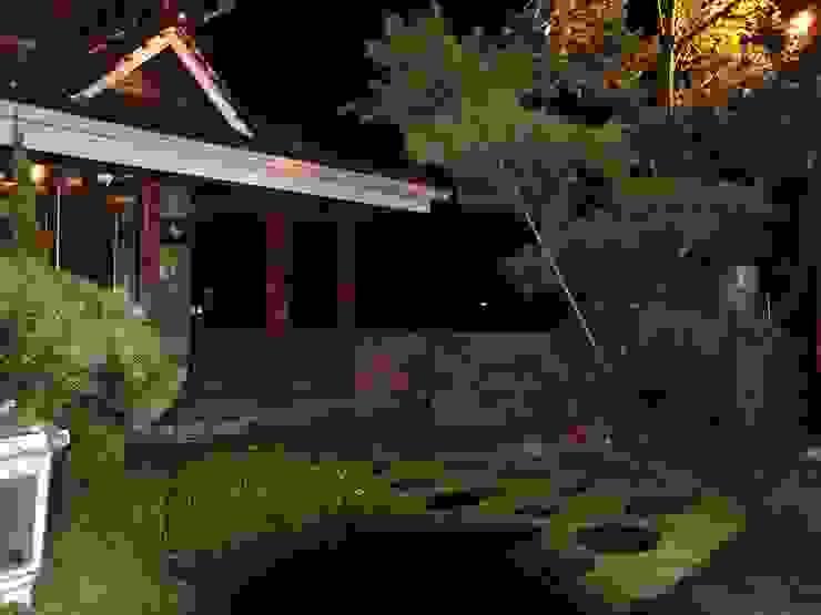 玄關 亞洲風玄關、階梯與走廊 根據 安居屋有限公司 日式風、東方風 實木 Multicolored