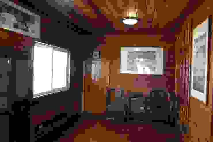安居屋木屋專業設計建造 根據 安居屋有限公司 日式風、東方風 實木 Multicolored