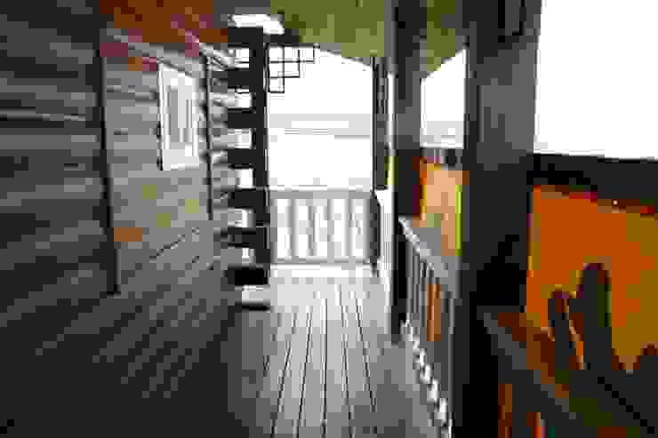 迴廊 根據 安居屋有限公司 日式風、東方風 實木 Multicolored