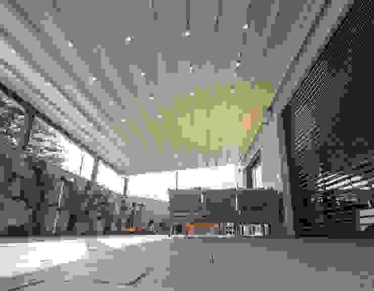 Nowoczesny balkon, taras i weranda od PERGOLA A.Ş. Nowoczesny Aluminium/Cynk