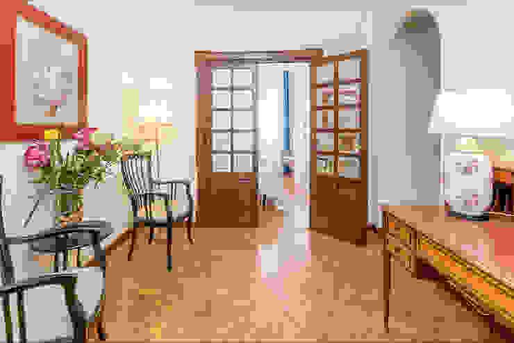 Fotografía de interiores, Málaga / Costa Del Sol. --- Real Estate photography - Málaga / Costa Del Sol Pasillos, vestíbulos y escaleras de estilo clásico de Per Hansen Clásico