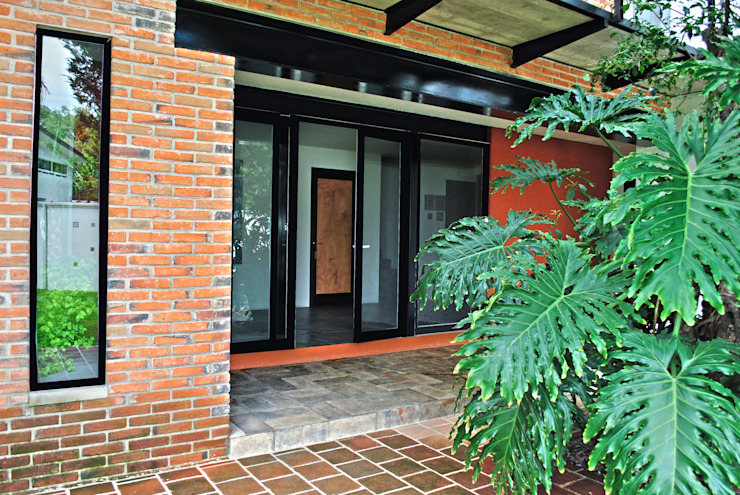 Doors by Novhus Oficina de Arquitectura , Modern