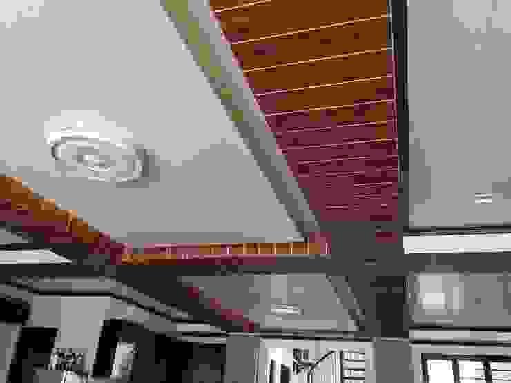 PRIVATE RESORT Minimalist dining room by JGA INTERIORS Minimalist