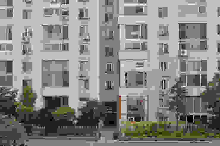 아파트 고쳐살기 스칸디나비아 발코니, 베란다 & 테라스 by BYHAND 북유럽
