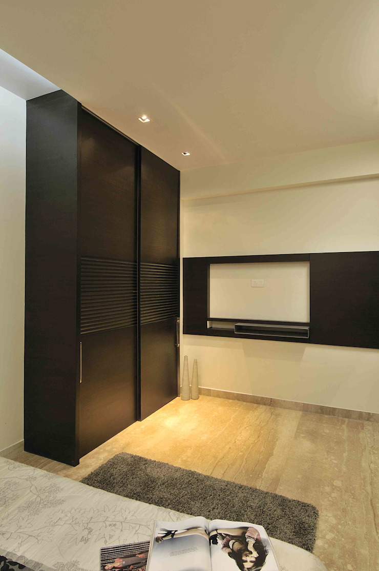 SERVICE APARTMENT AT KHAR Modern style bedroom by smstudio Modern