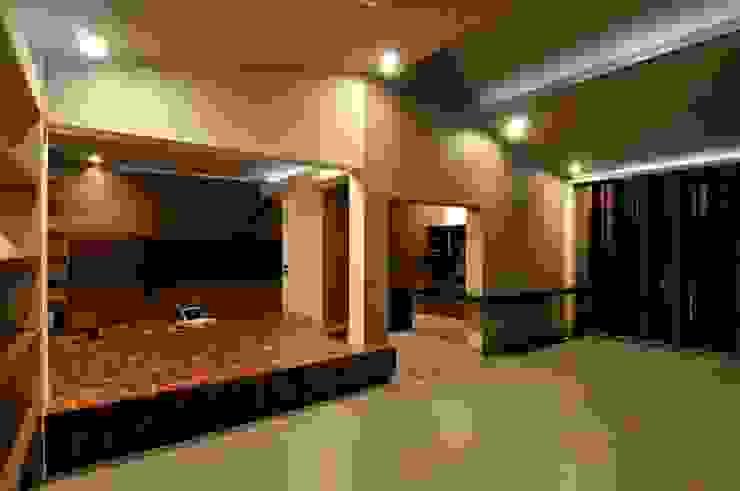 DAHANU FARMHOUSE Modern living room by smstudio Modern