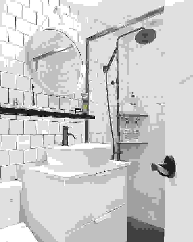 북유럽 감성을 가득 담은 20평대 주택 인테리어 스칸디나비아 욕실 by husk design 허스크디자인 북유럽