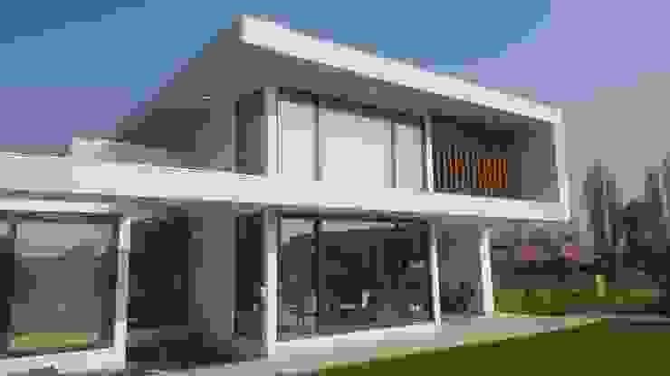 Casas modernas de alvarez arquitecto Moderno