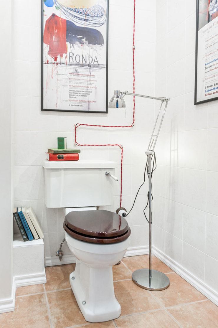 Baños de estilo moderno de 'Студия дизайна Марины Кутеповой' Moderno