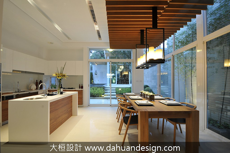 大桓設計-室內設計-極上之墅 Modern dining room by 大桓設計顧問有限公司 Modern Solid Wood Multicolored