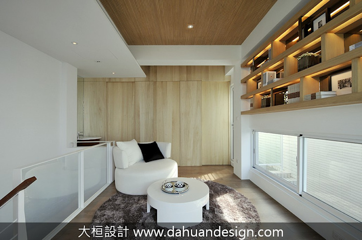 大桓設計-室內設計-極上之墅 Modern Corridor, Hallway and Staircase by 大桓設計顧問有限公司 Modern Solid Wood Multicolored