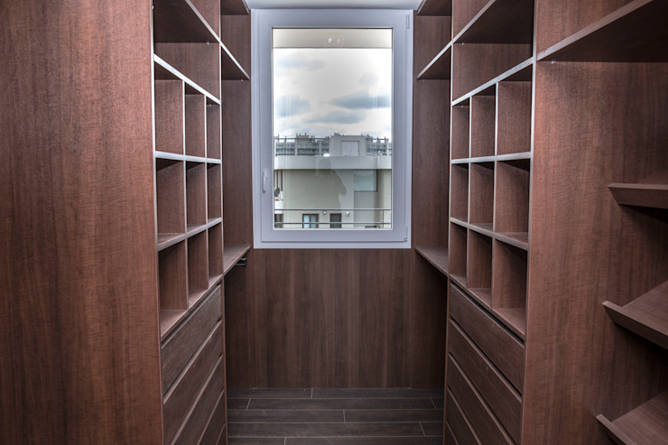 Modern dressing room by CIBA ARQUITECTURA Modern