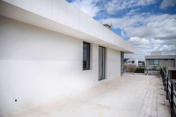 Balcones y terrazas de estilo moderno de CIBA ARQUITECTURA Moderno