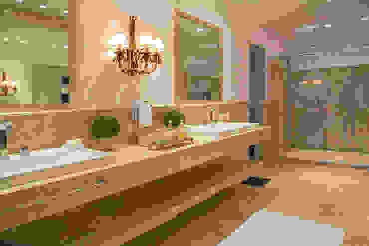 Fotos para Villa Vittini l Búzios RJ: Banheiros  por ArielCPhoto,